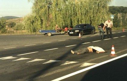 Водій-іноземець, який збив школярку з Ужгородського району, намагався втекти на іншій машині (ВІДЕО)