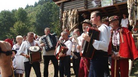 ХVІIІ гастрономічний фестиваль-ярмарок «Гуцульська бриндзя» у Рахові - один з кращих фестивалів Закарпаття (фото)