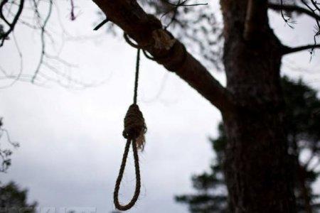 В Ужгороді виявили повішеного чоловіка