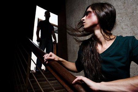 Б'є, значить залишиться без дому. Набрав чинності наказ про захист жертв домашнього насильства