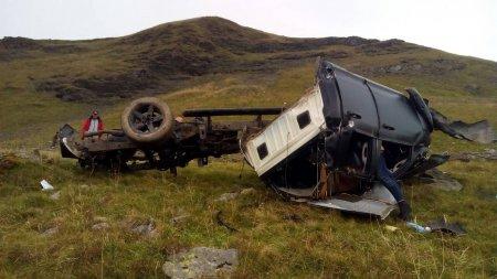 На Закарпатті автомобіль зірвався з гори і перетворився на купу брухту,двоє туристів загинуло (ФОТО)