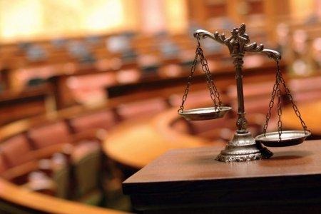 Мукачівські поліцейські скерували до суду обвинувачення дівчині, яка обікрала свого роботодавця