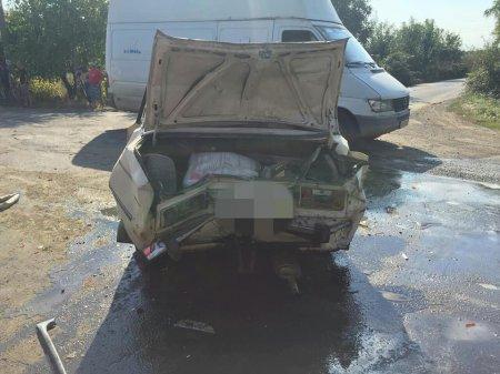 У Виноградові сталося ДТП за участі трьох автомобілів, на місті працювали навіть пожежники (фото)