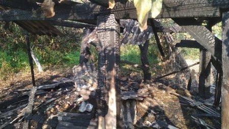 Ужгородські вогнеборці ліквідували загорання у надвірній споруді