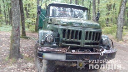 Офіційно - На хабарі у понад 15 тис грн викрито службову особу лісогосподарського підприємства (фото)