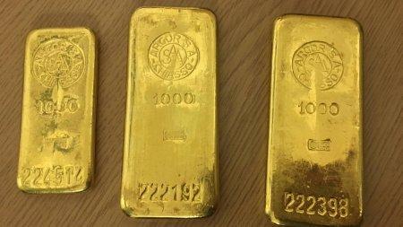 Відніс в бюро знахідок: німець знайшов золоті злитки в старій шафі (ФОТО)