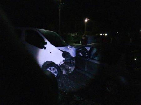Виїхав на зустрічну: на Виноградівщині зіткнулись два автомобілі (ФОТО)