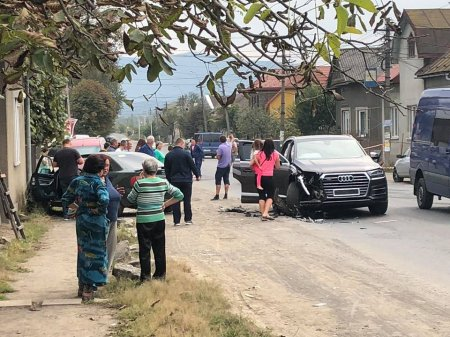 Жінку врятував ангел охоронець: Відео ДТП на Тячівщині