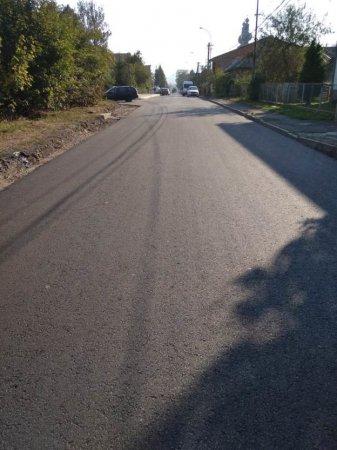 Розбита вщент і не ремонтована кілька десятиліть районна дорога на Яблунево - відремонотована (ФОТО)