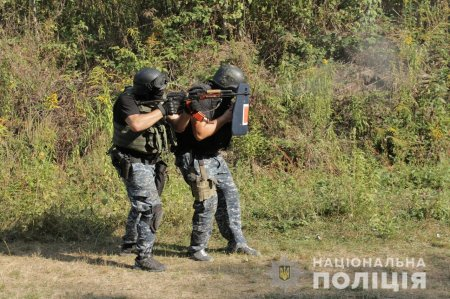 Удосконалення професійних навиків поліцейської роти особливого призначення Закарпаття (ФОТО)