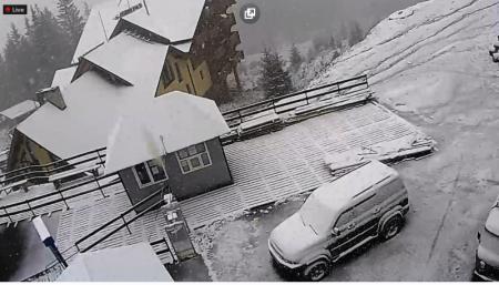 Гірськолижній курорт Драгобрат засипає снігом (фото)