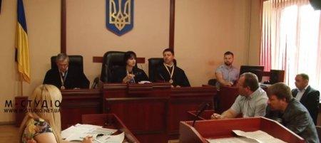 У справі щодо резонансного вбивства в Мукачеві допитали свідків (ФОТО)