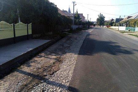 На Виноградівщині відновлюють обласну дорогу, яку не ремонтували три десятиліття (ФОТО)