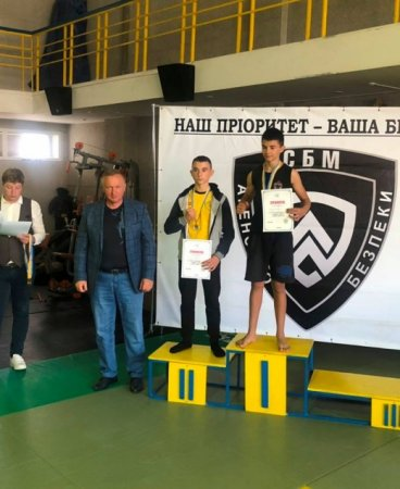 Відкритий чемпіонат з бойового самбо відбувся в Ужгороді (ФОТО)