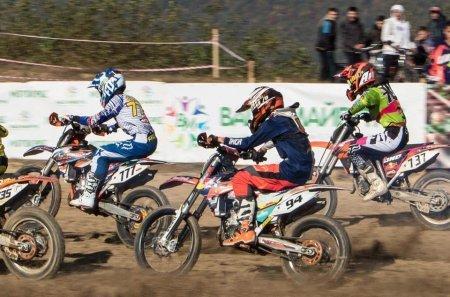 Видовищні змагання з мотокросу пройшли у Хусті (відео)