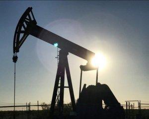 Дорогий бензин і дешева гривня: як на Україну вплине висока ціна на нафту