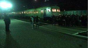 На Львівщині обурені люди перекрили залізничну колію через брак місць в електричці Мукачево-Львів