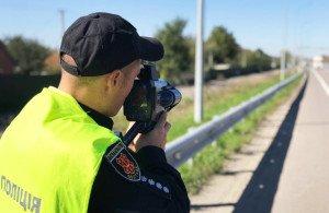 На Закарпатті патрульні вже штрафують за перевищення швидкості