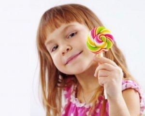 5 дитячих смаколиків, які провокують рак