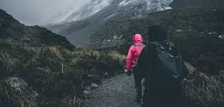 Закарпатські рятувальники відшукали заблукалих у горах туристок