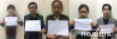 Правоохоронці Закарпаття затримали 10 нелегальних мігрантів (ФОТО)