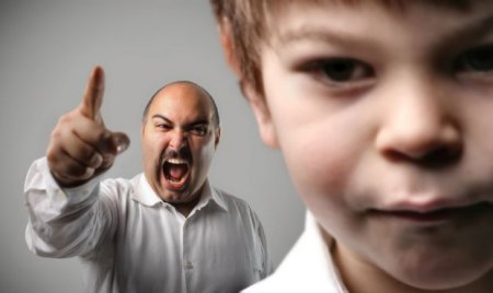 Підвищив голос на дитину - оплати 3400 гривень моральної компенсації