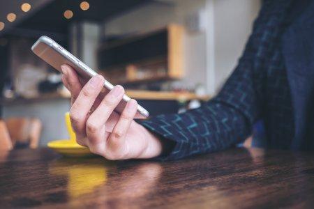 Заклейте камеру телефону: поради експерта по IT-безпеці