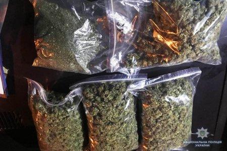 На Закарпатті вилучили майже півтора центнера наркотиків