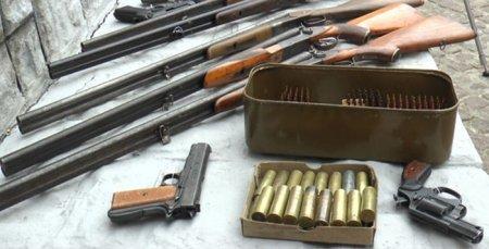 Жителі Закарпаття добровільно здали близько 100 одиниць зброї