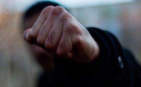 В Берегові троє чоловіків побили жінку: винуватцям загрожує позбавлення волі до 4 років