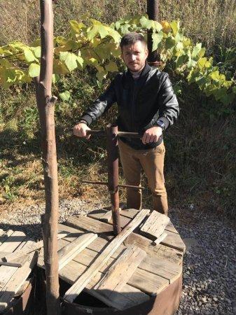 Мукачівський депутат показав, чим припиняють водопостачання в місті (ФОТО)