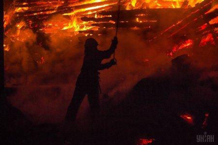 На Ужгородщині чоловік намагався погасити пожежу: отримав опіки 30 % тіла, зараз в реанімації