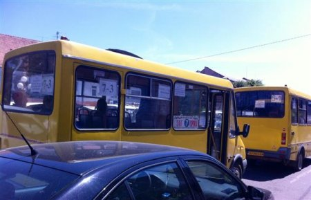 На Закарпатті скасували два популярні автобусні маршрути