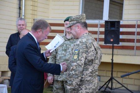 Дев'ять родин закарпатських військовослужбовців отримали нове житло