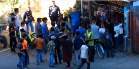 """У Берегові роми намагалися """"розібратися"""" з власником місцевого магазину"""