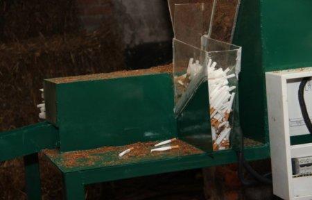 На Закарпатті припинено діяльність цеху, де незаконно виготовляли фальсифіковані цигарки