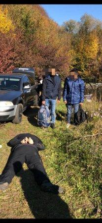 Прокуратура погодила підозру переправнику нелегалів на Великоберезнянщині