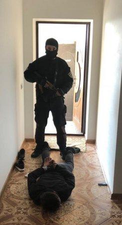 Лікарю-стоматологу, затриманому на Мукачівщині при збуті метамфетаміну, оголошено про підозру