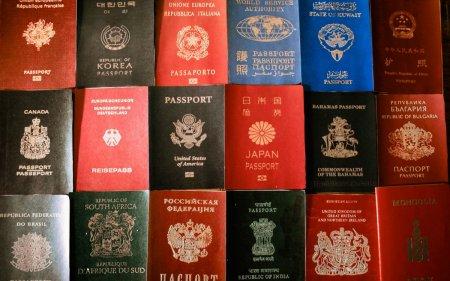 Переважна більшість закарпатців хочуть мати іноземний паспорт (опитування)