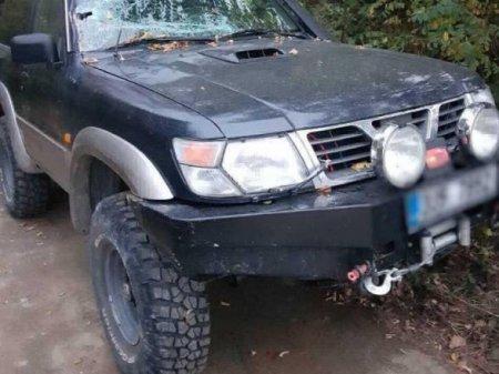 На Рахівщині п'яний водій врізався у шлагбаум: один чоловік загинув