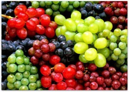 Медики назвали ягоди, які можуть захистити зуби від карієсу