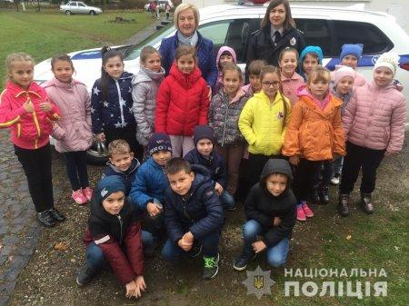 Поліцейські й діти разом провели цікаву гру (ФОТО)
