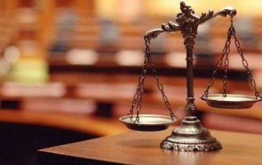 На Закарпатті суддя звинувачує чиновників в тиску на неї