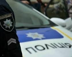 Сімох закарпатців поліцейські затримали за підозрою у вчиненні майнових злочинів