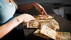 В Уряді розповіли, що буде з гривнею, зарплатами і пенсіями через воєнний стан (ВІДЕО)