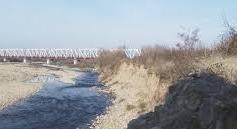 На Тячівщині так звані «активісти» перешкоджають  виконанню робіт по будівництву зруйнованої дамби