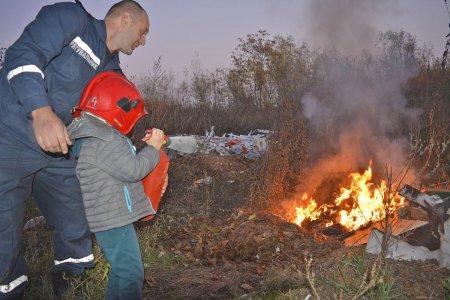 Діти працівників «Нової Пошти» познайомилися з роботою вогнеборців (фото)