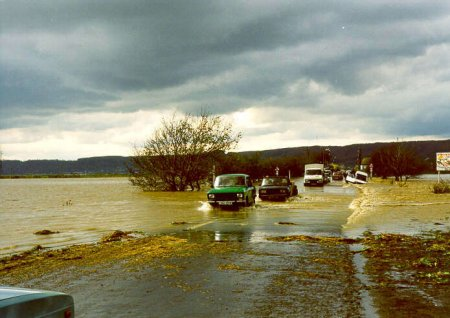 Минуло 20 років з часу катастрофічного листопадового паводку 1998 року на Закарпатті (фото, відео)