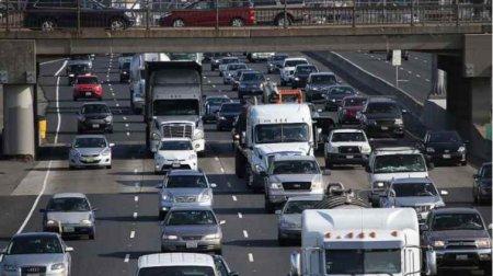Платні дороги в Україні: наскільки влада хоче «розорити» водіїв