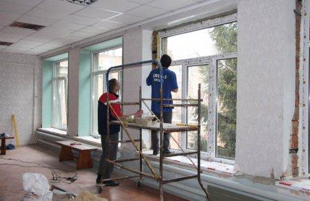 У режимі очікування: у  школі в Горінчеві на Хустщині до кінця року замінять всі вікна (ВІДЕО)